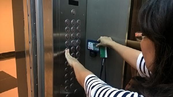 Kết quả hình ảnh cho bảng điều khiển thang máy hỏng