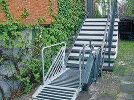 Cầu thang máy cho người già