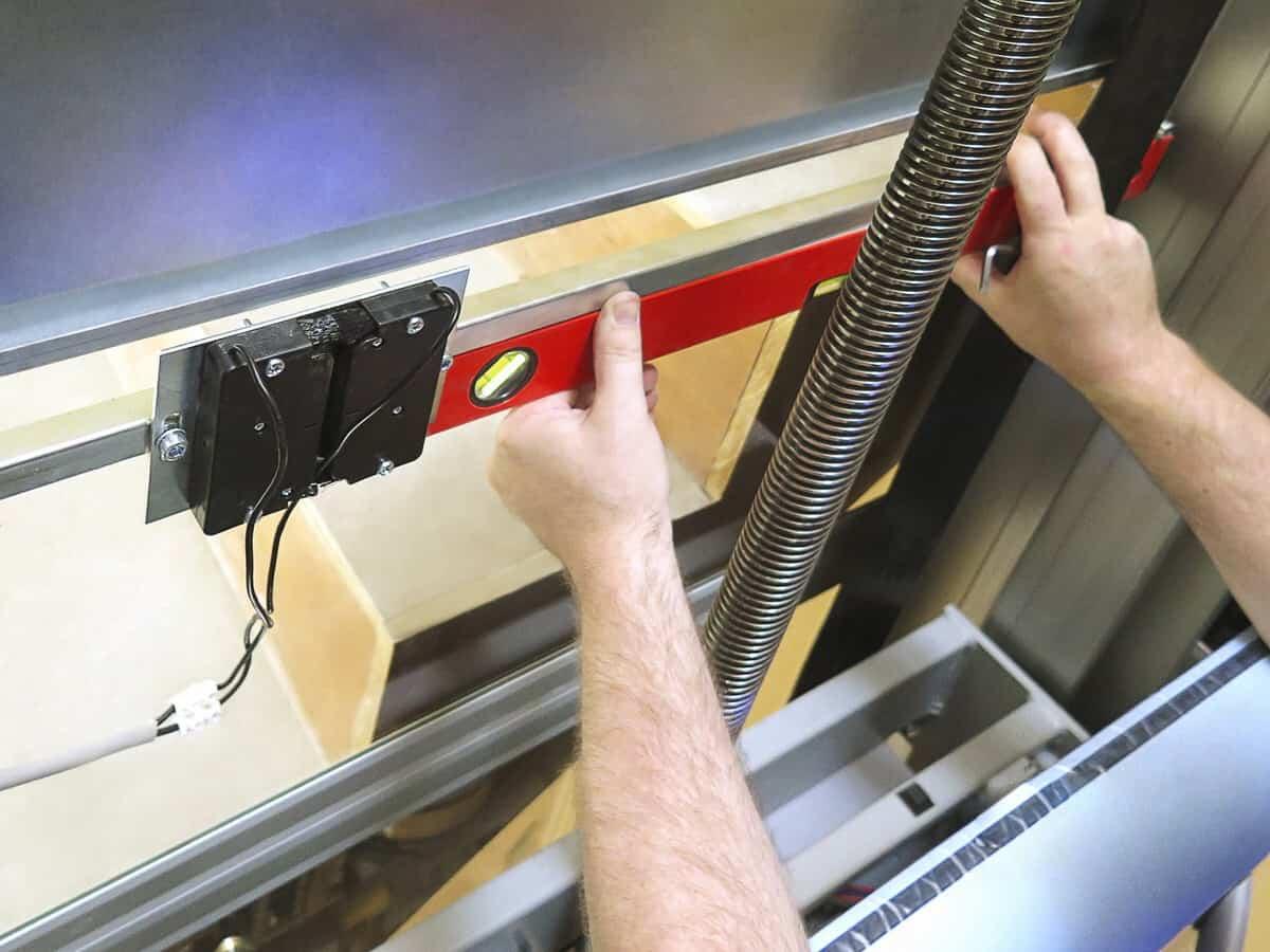 Quy trình chuẩn vệ sinh thang máy gia đình