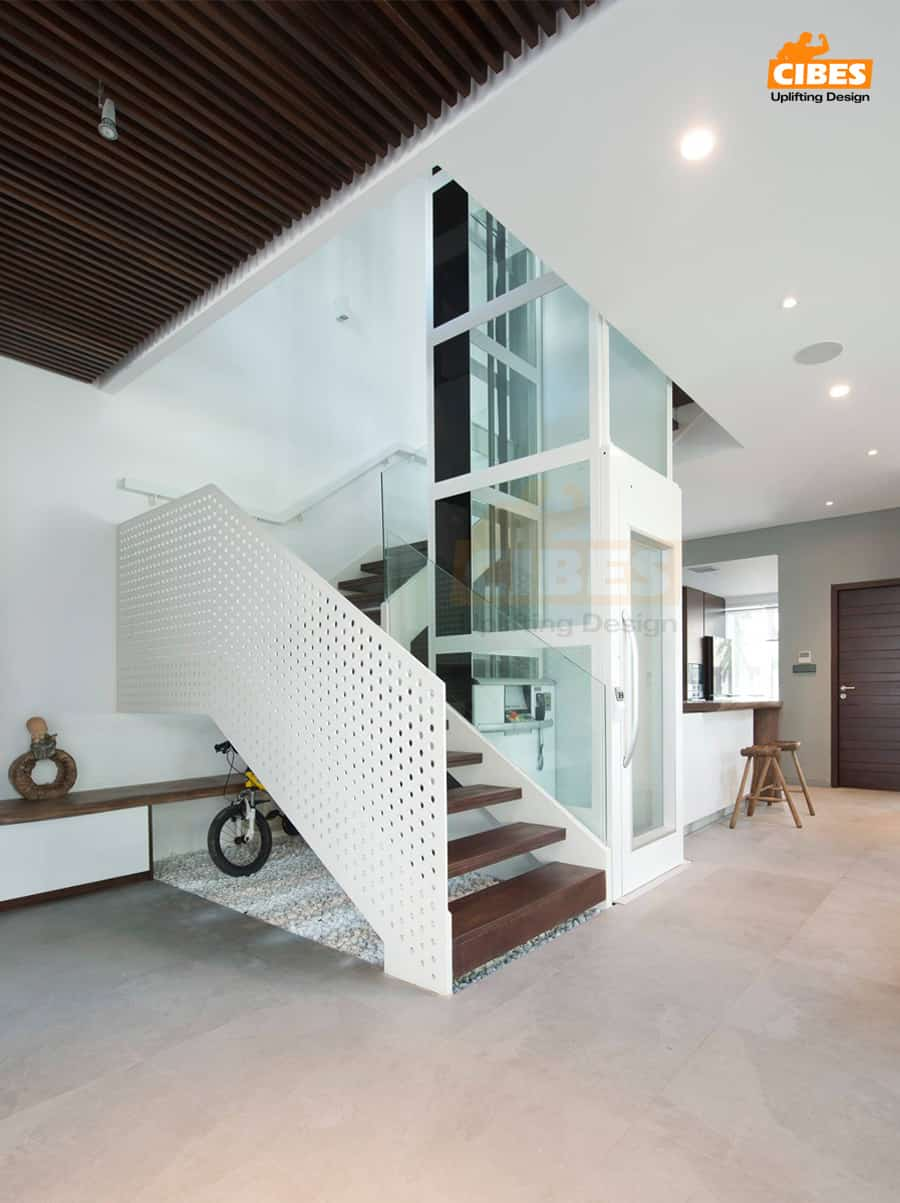 Hãy tận dụng mọi vị trí có thể trong nhà để đặt thang máy