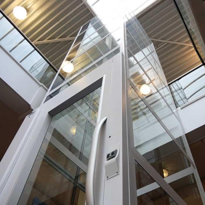 Ưu điểm thang máy không buồng máy