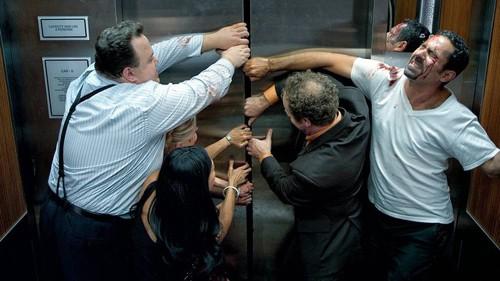 không mở cabin thang máy