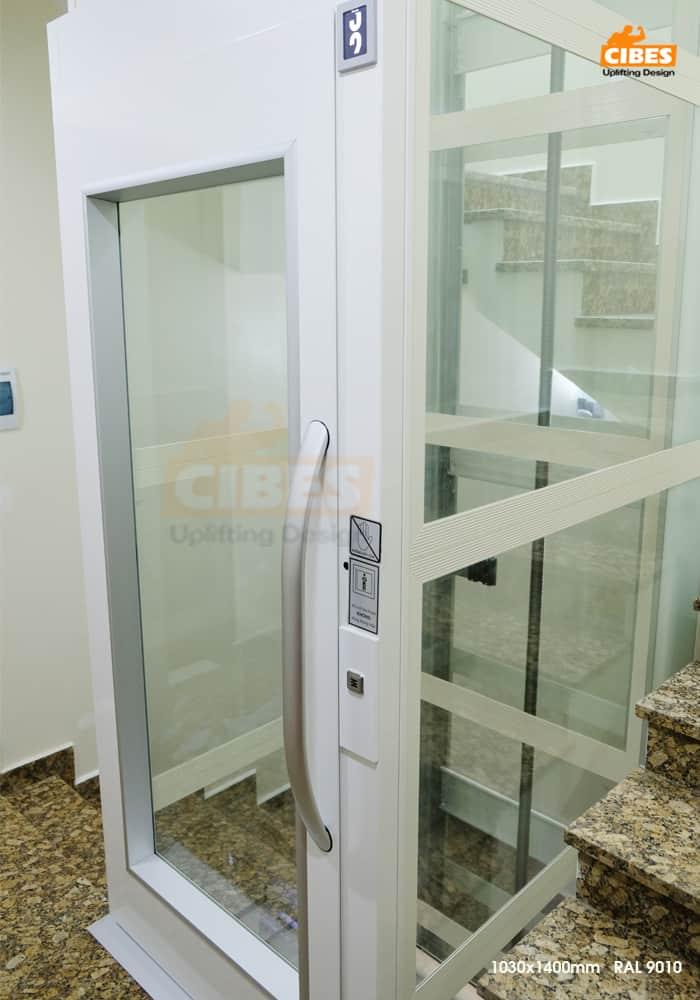 Thang máy Cibes A4000 tại căn hộ Phú Gia Vinhomes Dragon Bay 4