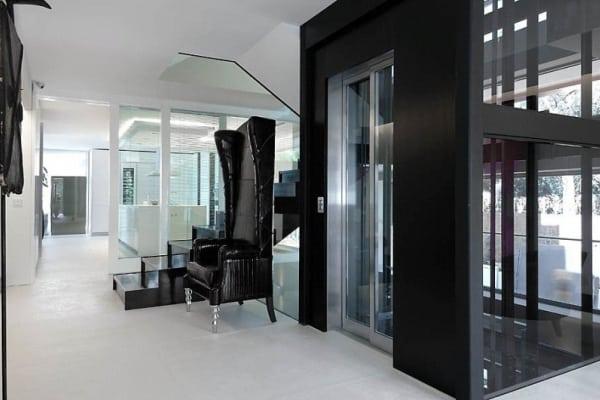 Liệu có nên lựa chọn thang máy liên doanh hay không ?
