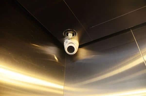 Camera thang máy giúp chủ động nắm bắt thông tin hơn