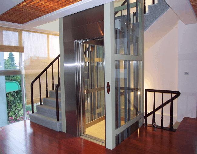4 lưu ý quan trọng để sử dụng cầu thang máy thật sự an toàn