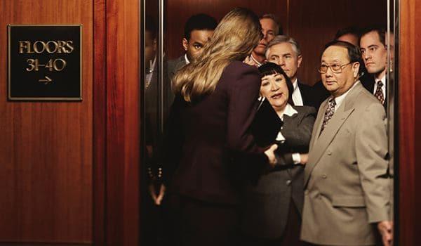 7 lưu ý để phòng chống những kẻ quấy rối trong thang máy