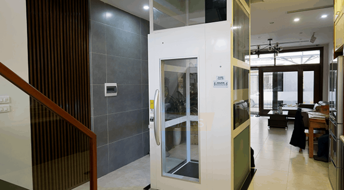 Thang máy Cibes A5000 lắp ở vị trí đối diện thang bộ