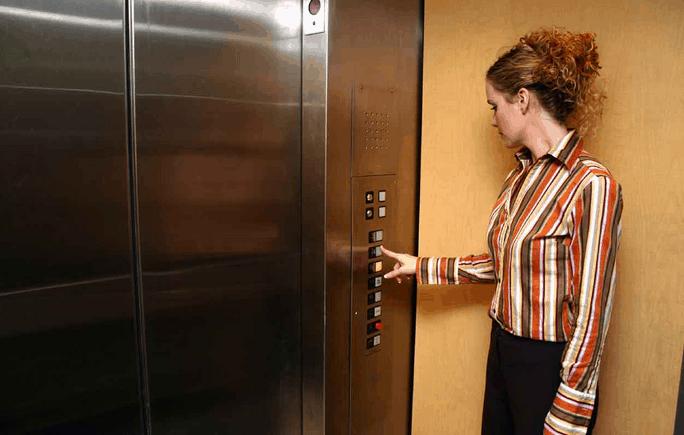 Những kỹ năng cần thiết để xử lý khi thang máy bị kẹt