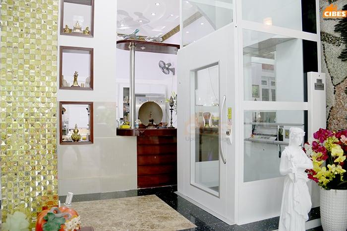 Thang máy gia đình biệt thự cổ điển giúp nâng tầm không gian gia đình