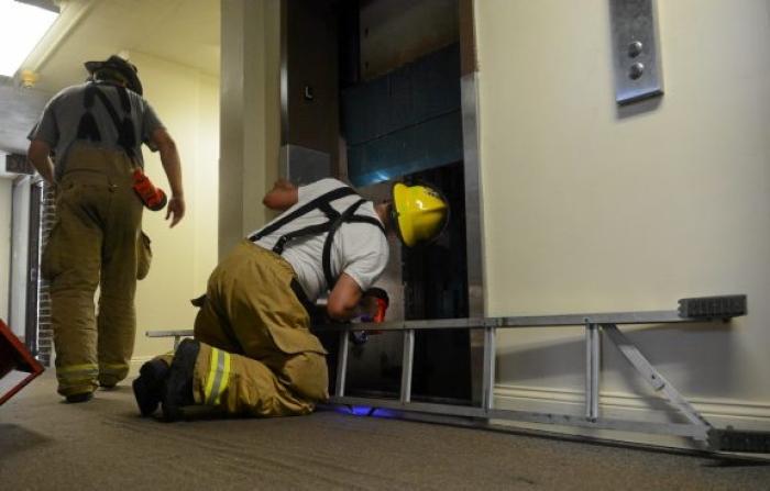 4 quy trình xử lý sự cố thang máy cần biết ngay